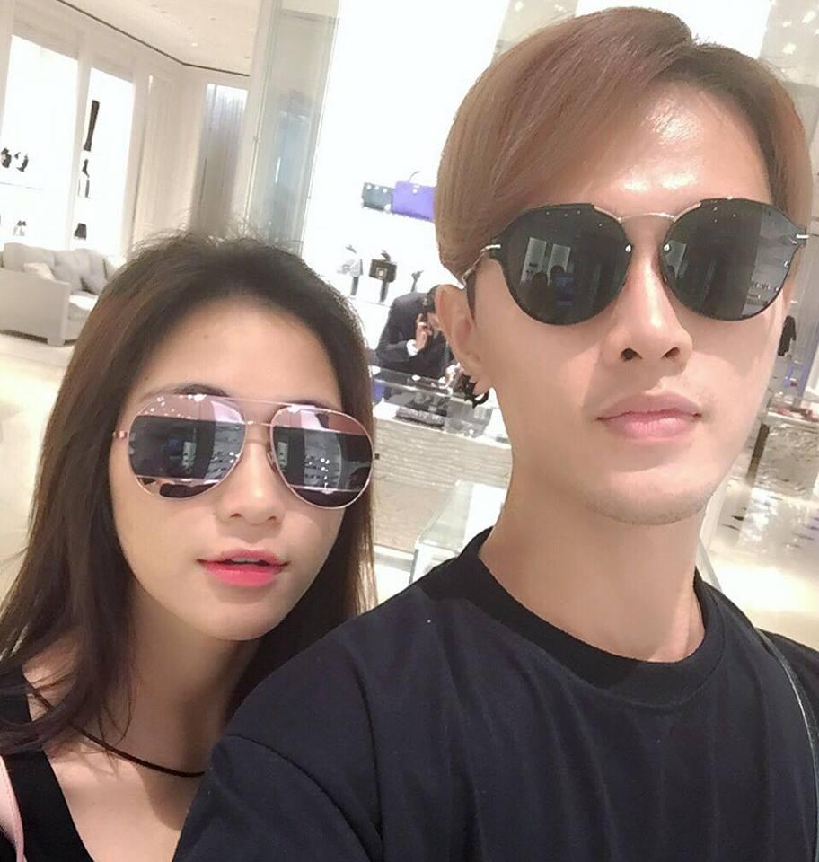 """Loạt ảnh thân mật của Hòa Minzy với """"trai lạ"""" khiến fan tò mò - 2"""