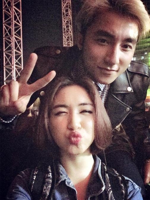 """Loạt ảnh thân mật của Hòa Minzy với """"trai lạ"""" khiến fan tò mò - 12"""