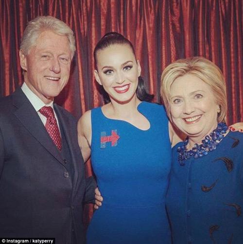 Katy Perry khỏa thân gây sốc để ủng hộ bầu cử TT Mỹ - 3