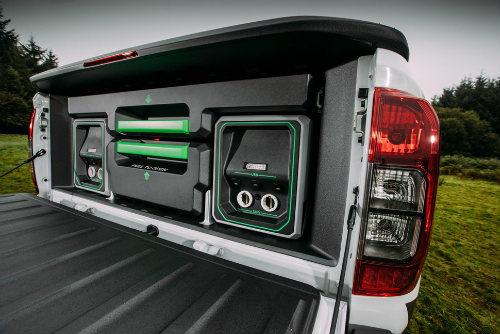 Nissan Navara Enguard: Mẫu bán tải cứu hộ công nghệ cao - 11