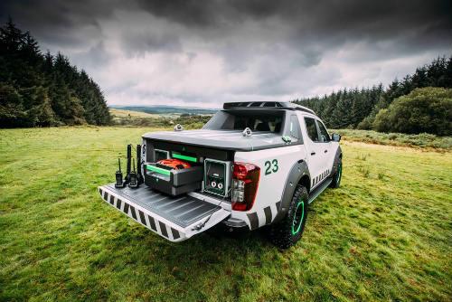 Nissan Navara Enguard: Mẫu bán tải cứu hộ công nghệ cao - 10