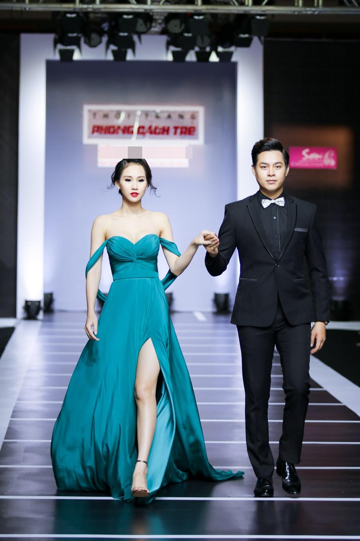Dàn mỹ nữ Việt khoe đường cong gợi cảm với đầm dạ hội - 8