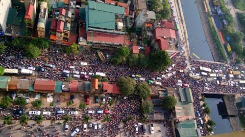 Bí thư Hà Nội: Tránh tắc đường, phải kiểm soát cả ô tô - 1
