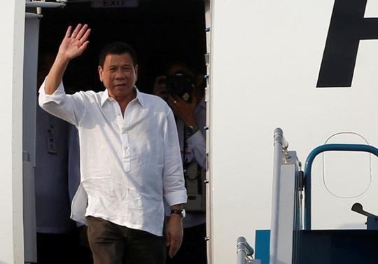 Tổng thống Philippines đến Hà Nội, bắt đầu thăm Việt Nam - 1