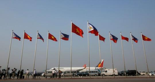 Tổng thống Philippines đến Hà Nội, bắt đầu thăm Việt Nam - 2