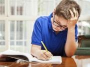 Anh: Hiệu trưởng tuyên bố miễn bài tập về nhà cho học sinh