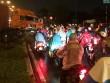 """Xe container đại náo trong mưa, nhiều người """"rớt tim"""""""