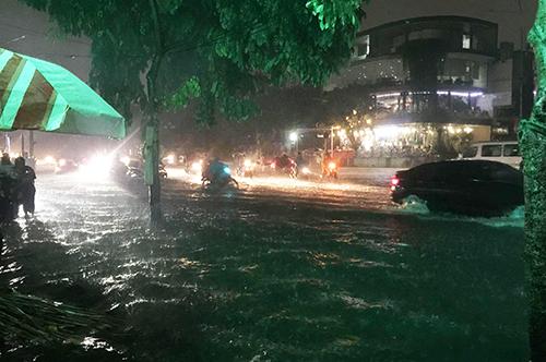 Đâu là nguyên nhân gây ngập TP.HCM mỗi chiều mưa? - 2