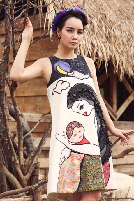 Mai Thu Huyền đẹp lúng liếng với váy họa tiết dân gian - 3