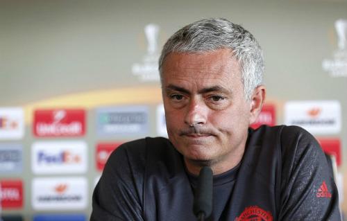 """Hiệu suất thấp, Rooney lại bị Mourinho """"chê bai"""" - 1"""