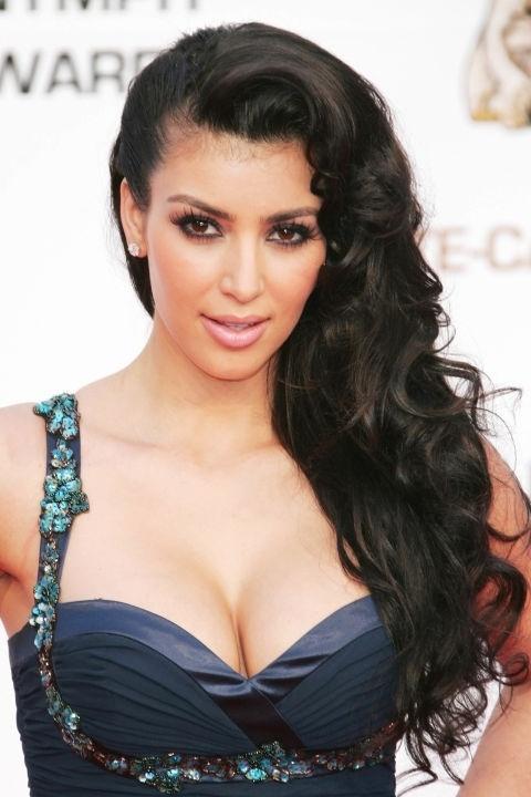 Những mái tóc làm nên tên tuổi Kim Kardashian - 3