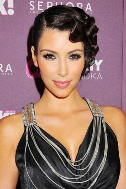 Những mái tóc làm nên tên tuổi Kim Kardashian - 10