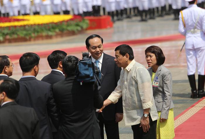 Ảnh: Lễ đón chính thức Tổng thống Philippines thăm VN - 6