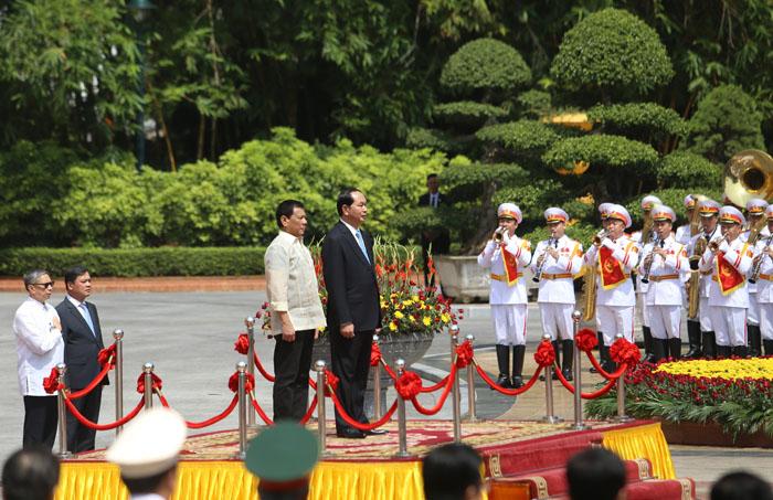 Ảnh: Lễ đón chính thức Tổng thống Philippines thăm VN - 3