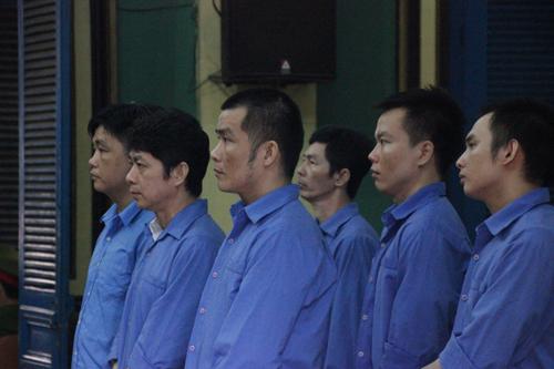"""Băng nhóm """"Tý điên"""" bảo kê bến xe Miền Đông hầu tòa - 1"""
