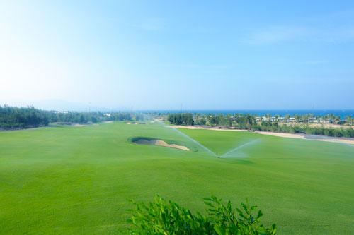 Hé lộ hình ảnh chiếc cúp 5.500 USD của giải FLC Golf Championship 2016 - 3