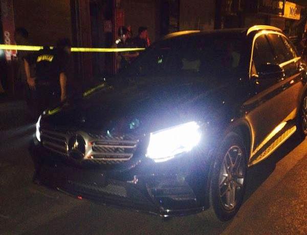 HN: Mercedes không biển rú ga chạy trốn 141 như phim - 1