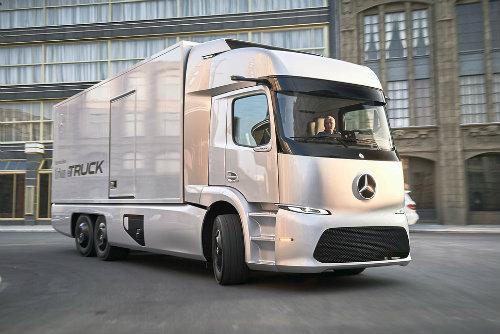 Soi xe tải điện công nghệ cao Mercedes-Benz Urban eTruck - 1