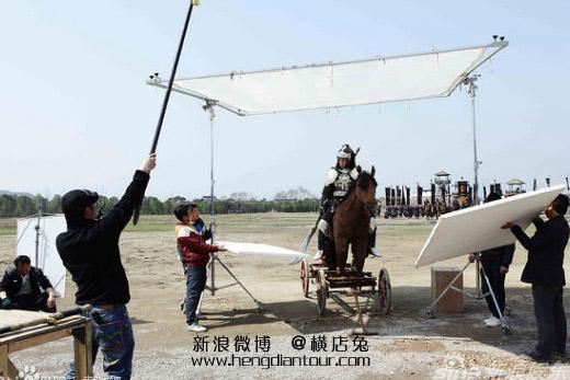 """Phì cười với cảnh cưỡi ngựa """"rỏm"""" trên trường quay Trung Quốc - 1"""