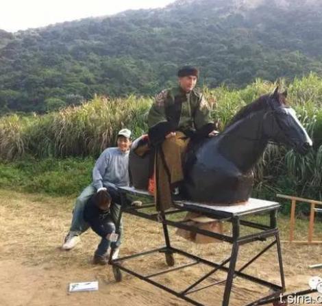 """Phì cười với cảnh cưỡi ngựa """"rỏm"""" trên trường quay Trung Quốc - 6"""