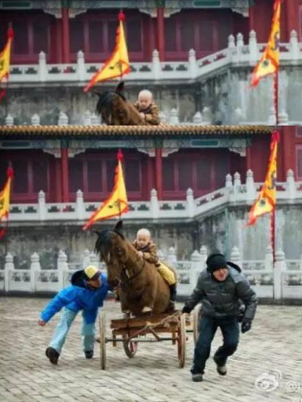 """Phì cười với cảnh cưỡi ngựa """"rỏm"""" trên trường quay Trung Quốc - 7"""