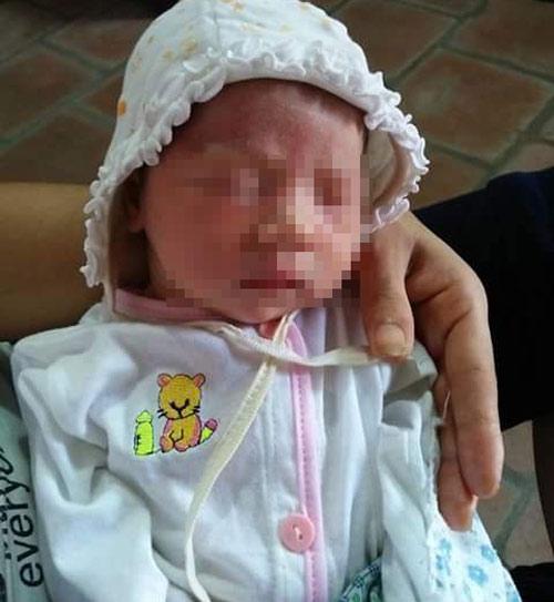 Nhiều người xin nhận nuôi bé gái sơ sinh bị bỏ rơi trước cửa chùa - 1