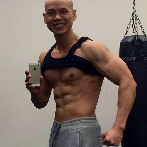 Không thể tin đây là Phan Đinh Tùng ở tuổi 41 - 3