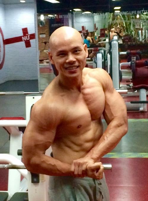 Không thể tin đây là Phan Đinh Tùng ở tuổi 41 - 5