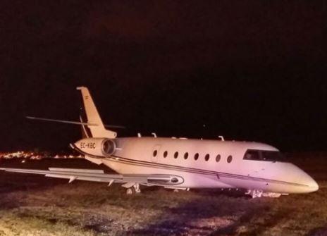 Máy bay của Ronaldo gặp tai nạn ở Barcelona - 2