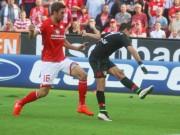 """Chicharito """"nhảy múa"""" ở tốp bàn thắng đẹp V5 Bundesliga"""