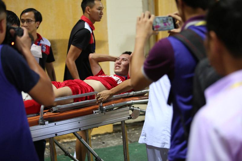Nghiêm Xuân Tú chấn thương: Nước mắt, nụ cười sau chiếc Cup - 1