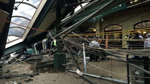 Tàu tốc độ cao đâm nhà ga ở Mỹ, hơn 100 người bị thương - 2