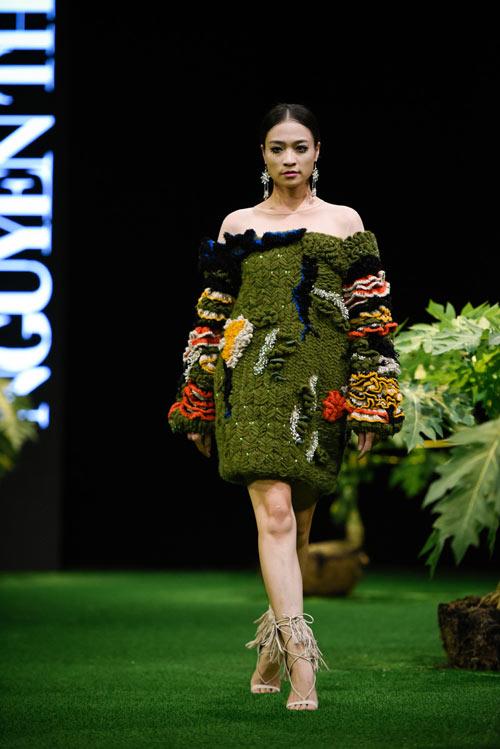 Sắc xanh tràn ngập Tuần lễ Thời trang Việt Nam 2017 - 2