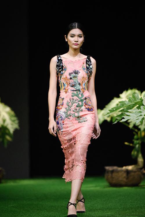 Sắc xanh tràn ngập Tuần lễ Thời trang Việt Nam 2017 - 13