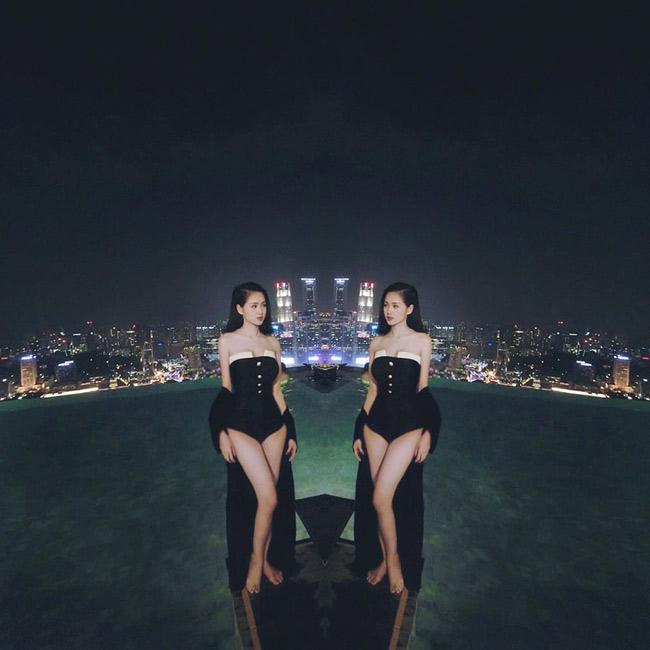 Bộ bikini liền thân giúp Tâm Tít khoe triệt để đường cong cơ thể.