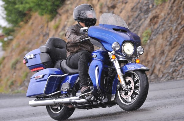 Soi tường tận động cơ Milwaukee-Eight mới của Harley-Davidson - 1