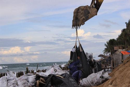 Từng lọt top 25 bãi biển đẹp nhất châu Á, nhưng Cửa Đại đang có nguy cơ bị xóa sổ - 5