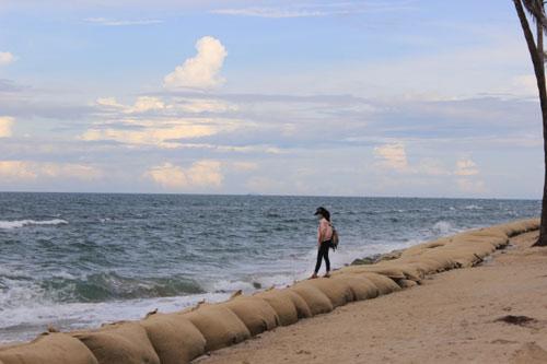 Từng lọt top 25 bãi biển đẹp nhất châu Á, nhưng Cửa Đại đang có nguy cơ bị xóa sổ - 11