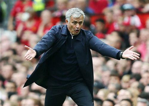 MU và Mourinho: Những cơn giận dữ liên hồi - 2