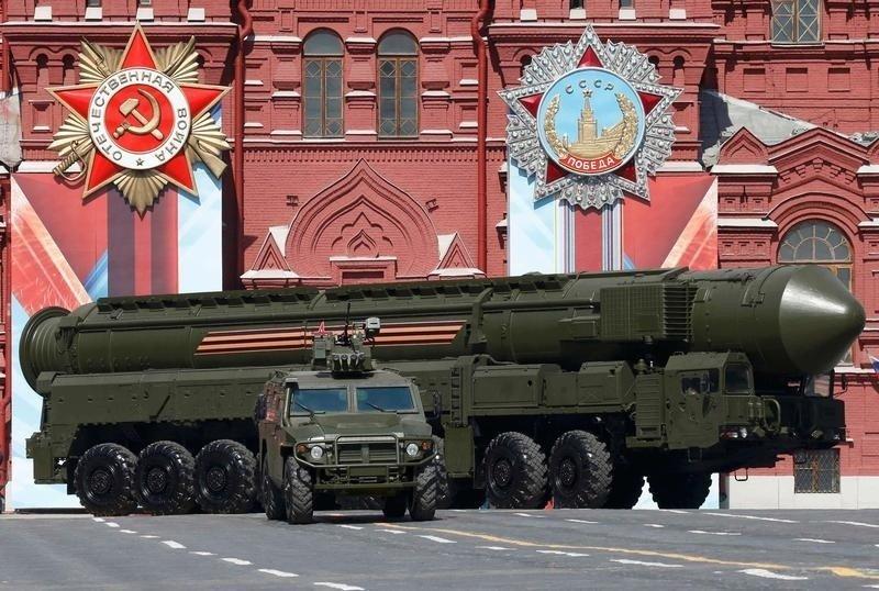 """Vũ khí tấn công hạt nhân của Mỹ """"yếu xìu"""" so với Nga - 2"""