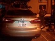 Tin tức trong ngày - Tài xế say rượu lùi xe, CSGT ngã đập đầu
