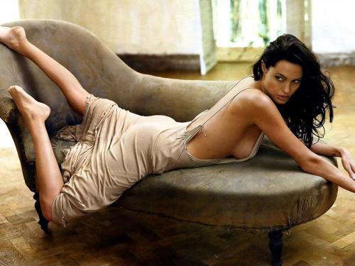 """Bị vào top kém cỏi """"chuyện ấy"""", Angelina Jolie tuyên bố gây sốc - 1"""