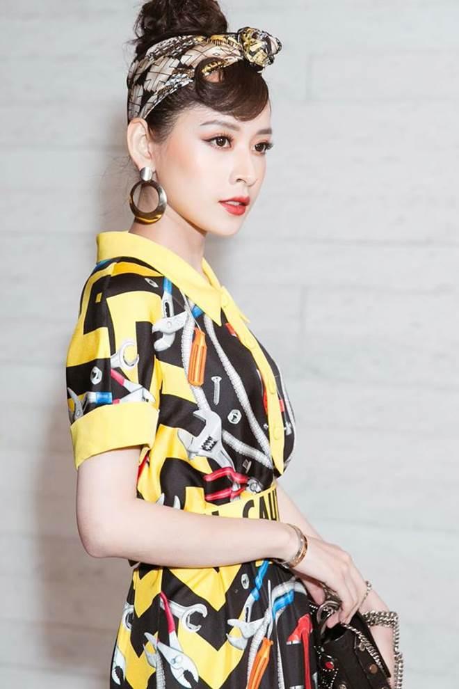 """Chi Pu """"đụng hàng"""" Phạm Hương, ai mặc đẹp hơn? - 6"""