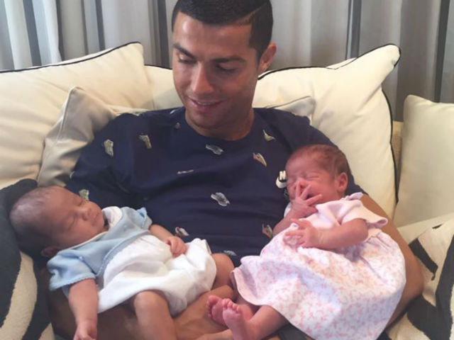 Ronaldo đón song sinh: Thuê đẻ 5,4 tỷ đồng & manh mối người mẹ bí ẩn