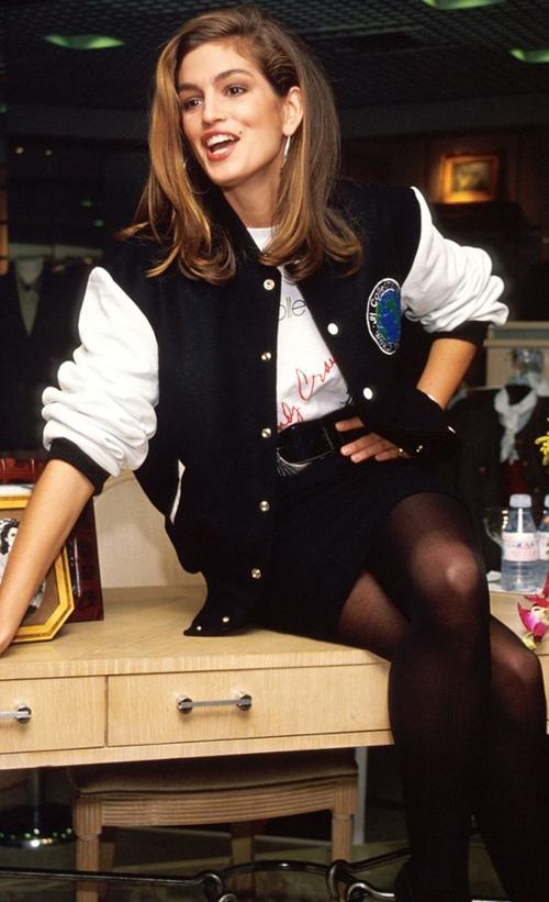 """20 năm trước, huyền thoại làng mẫu đã mặc """"chất"""" thế này cơ mà! - 8"""