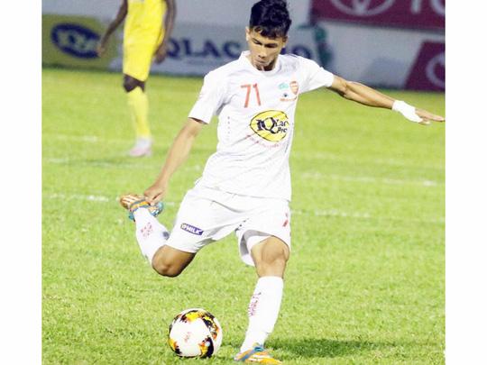 """Lo V-League """"hại"""" cầu thủ U23 - 1"""