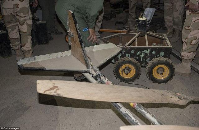 """Thâm nhập """"nhà máy"""" vũ khí tự chế của khủng bố IS - 5"""