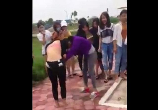Xôn xao nữ sinh cấp 3 ở Hải Dương đánh nhau dã man - 1