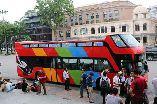 Điều chưa tiết lộ về xe buýt mui trần của Hà Nội - 1
