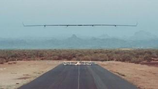 Video: Máy bay không người lái của Faccebook cất cánh dịu êm